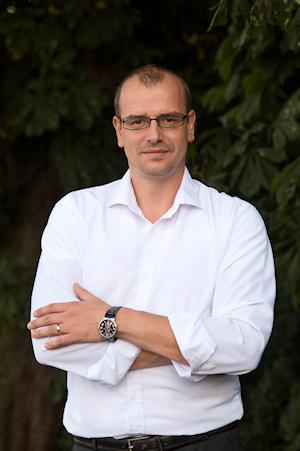 Martin Škvára, Dis.