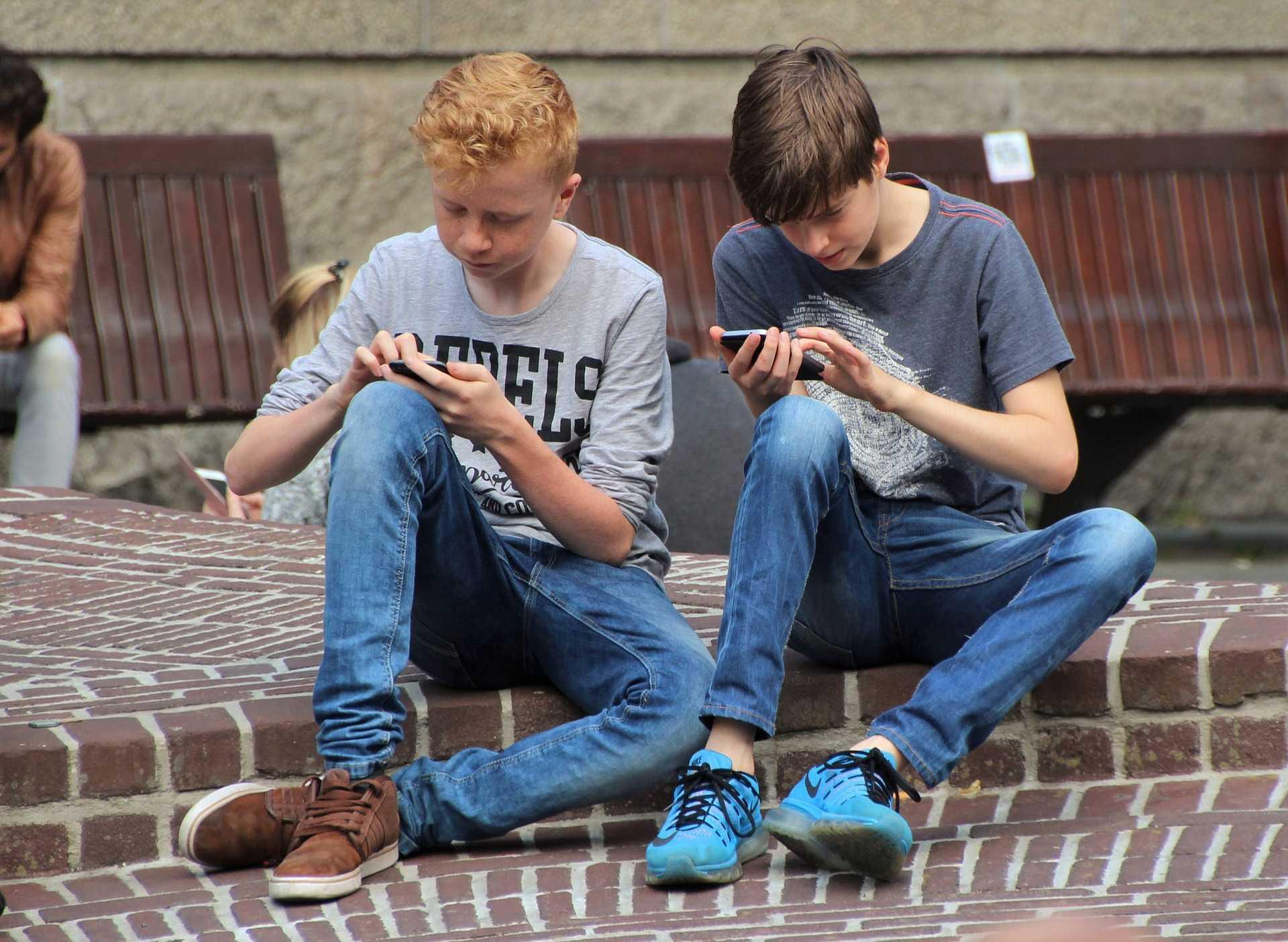 Český rozhlas Plus: Před pubertou nejvýš dvě hodiny u počítače denně