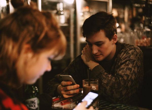 Česká televize: Sociální sítě škodí duševnímu zdraví a vztahům. Co my na to?