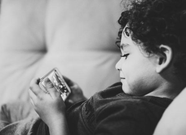 Děti online: jsou na cestě kzávislosti?